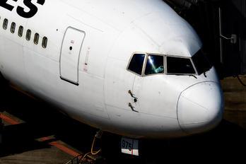 JA8975 - JAL - Japan Airlines Boeing 767-300