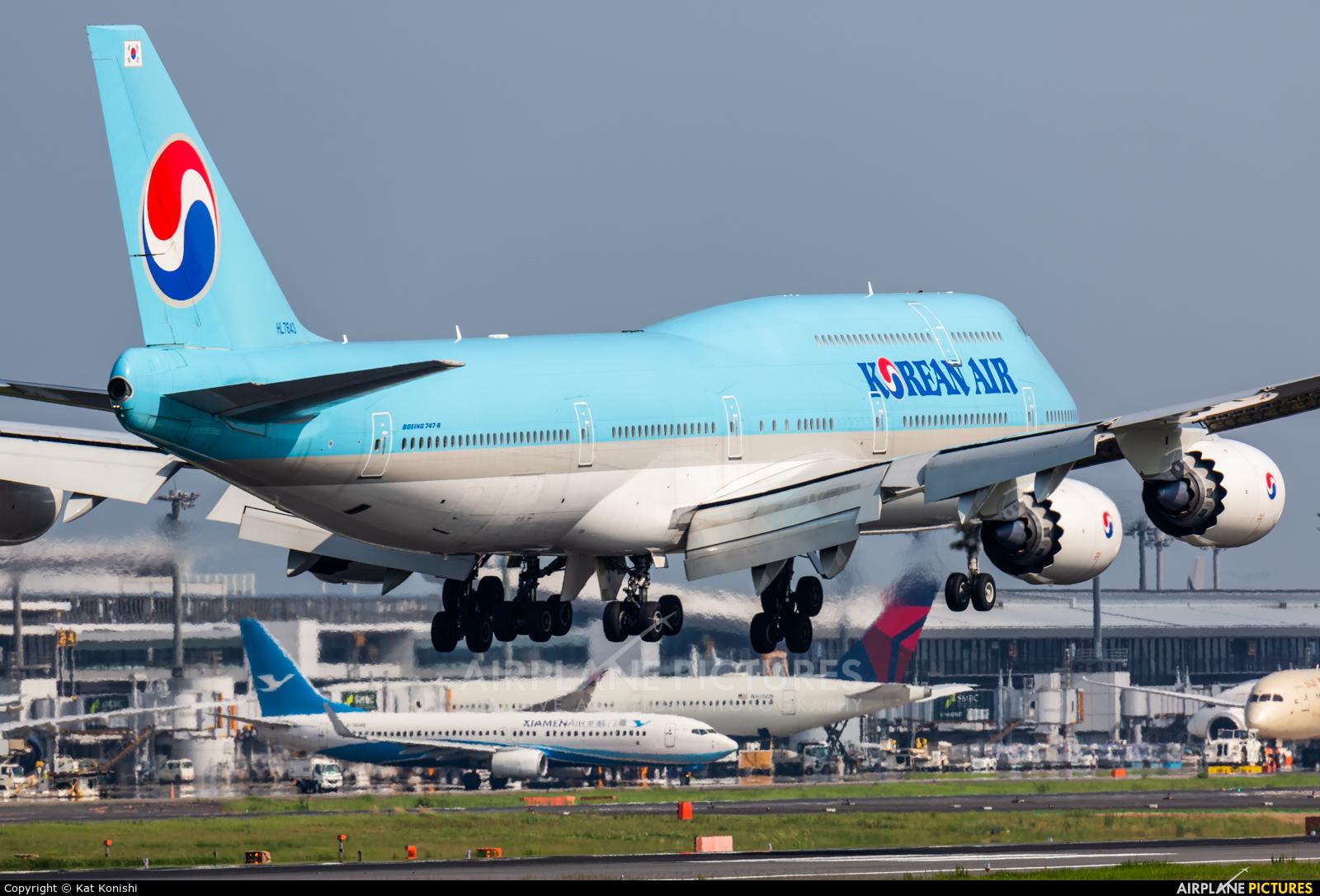Korean Air HL7643 aircraft at Tokyo - Narita Intl