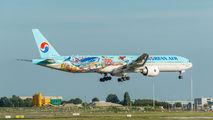 HL8274 - Korean Air Boeing 777-300ER aircraft