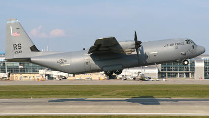 04-3142 - USA - Air Force Lockheed C-130J Hercules