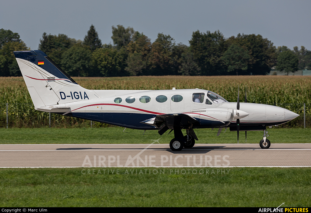 Private D-IGIA aircraft at Augsburg
