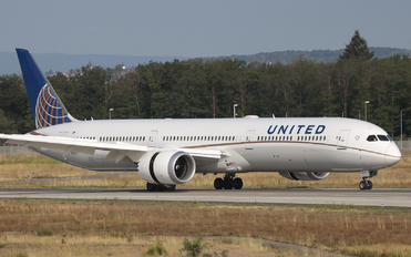 N12003 - United Airlines Boeing 787-10 Dreamliner