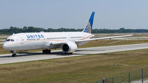 N19951 - United Airlines Boeing 787-9 Dreamliner aircraft