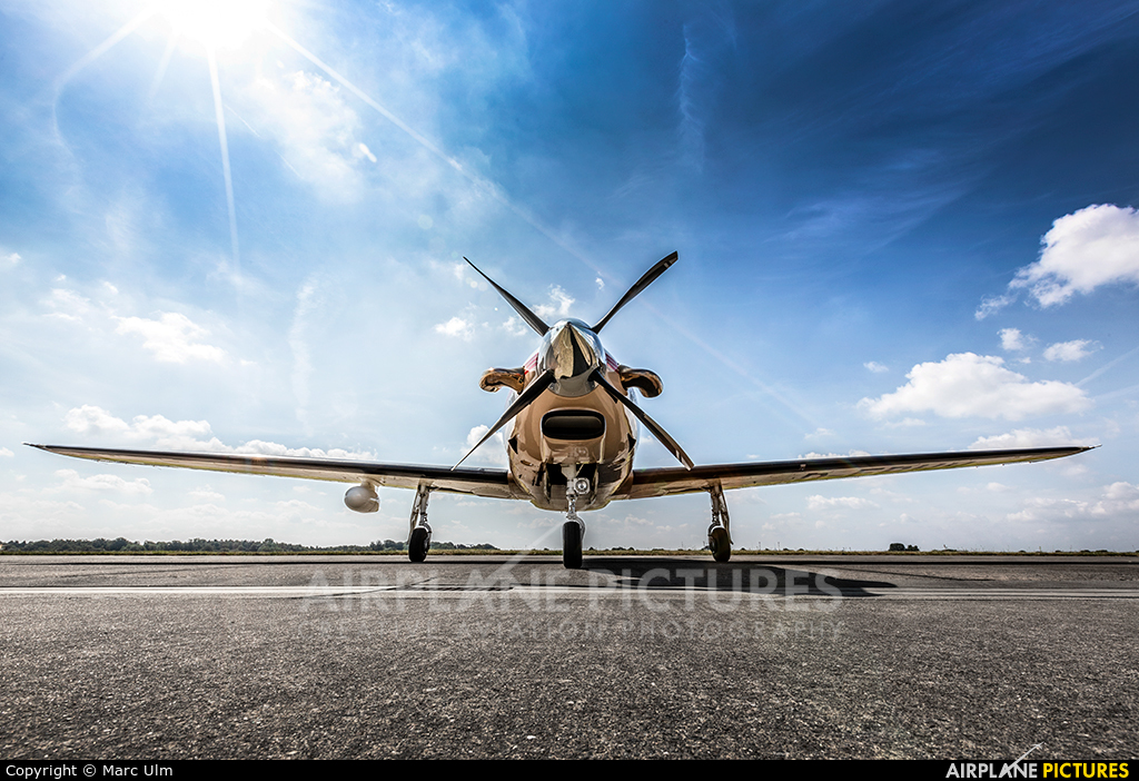 Private - aircraft at Kiel - Holtenau