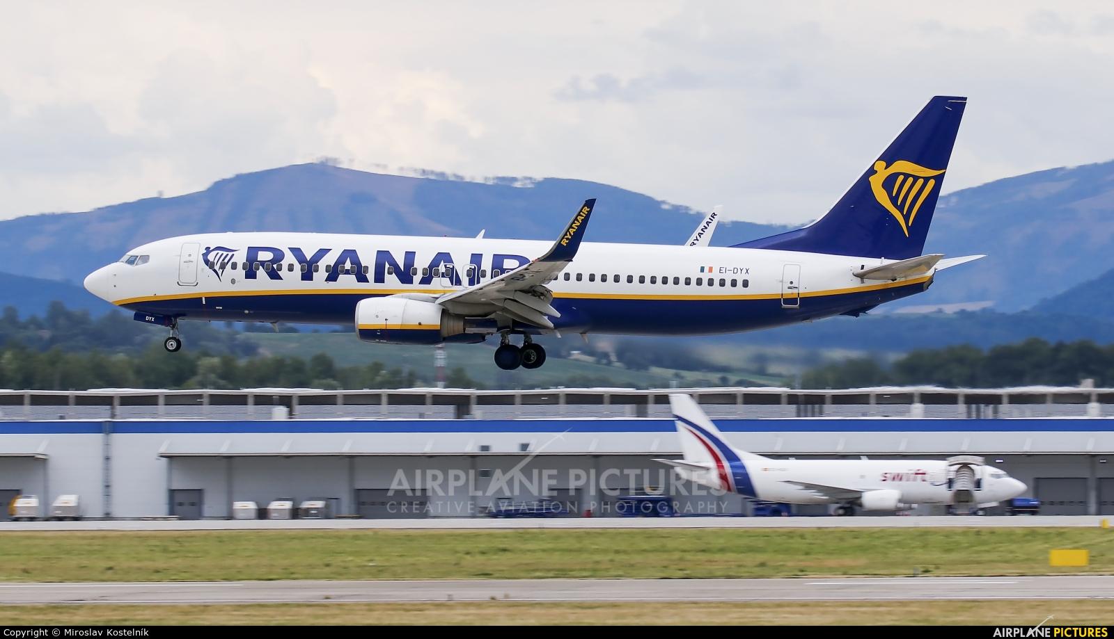 Ryanair EI-DYX aircraft at Ostrava Mošnov