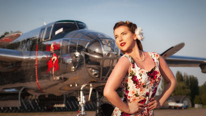 N6123C - - Aviation Glamour - Aviation Glamour - Model