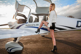 - - Private Diamond DA 40 Diamond Star