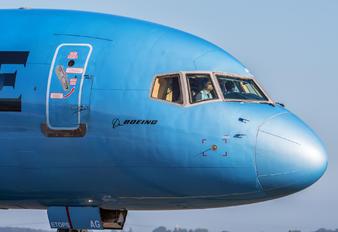 F-HTAG - La Compagnie Boeing 757-200