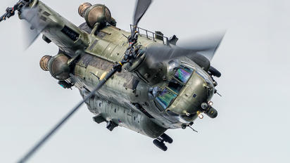 ZA708 - Royal Air Force Boeing Chinook HC.2