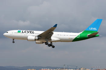 EC-NEN - LEVEL Airbus A330-200