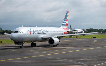 N123UW - American Airlines Airbus A320