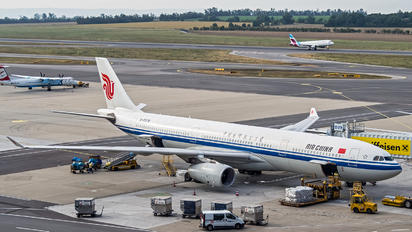 B-5978 - Air China Airbus A330-300