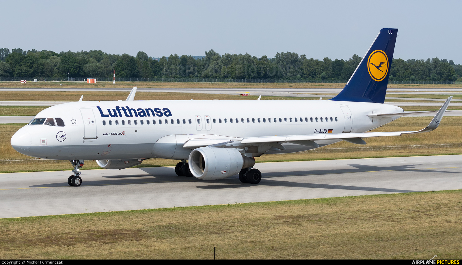 Lufthansa D-AIUU aircraft at Munich