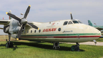 - - Balkan Antonov An-24