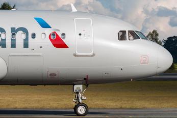 N12028 - American Airlines Airbus A319