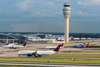 N510DN - Delta Air Lines - Airport Overview - Control Tower