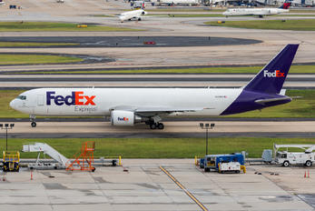 N112FE - FedEx Federal Express Boeing 767-300F
