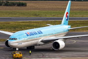 HL7598 - Korean Air Boeing 777-200ER aircraft