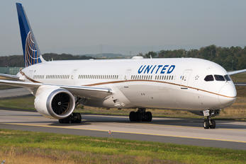 N16009 - United Airlines Boeing 787-10 Dreamliner