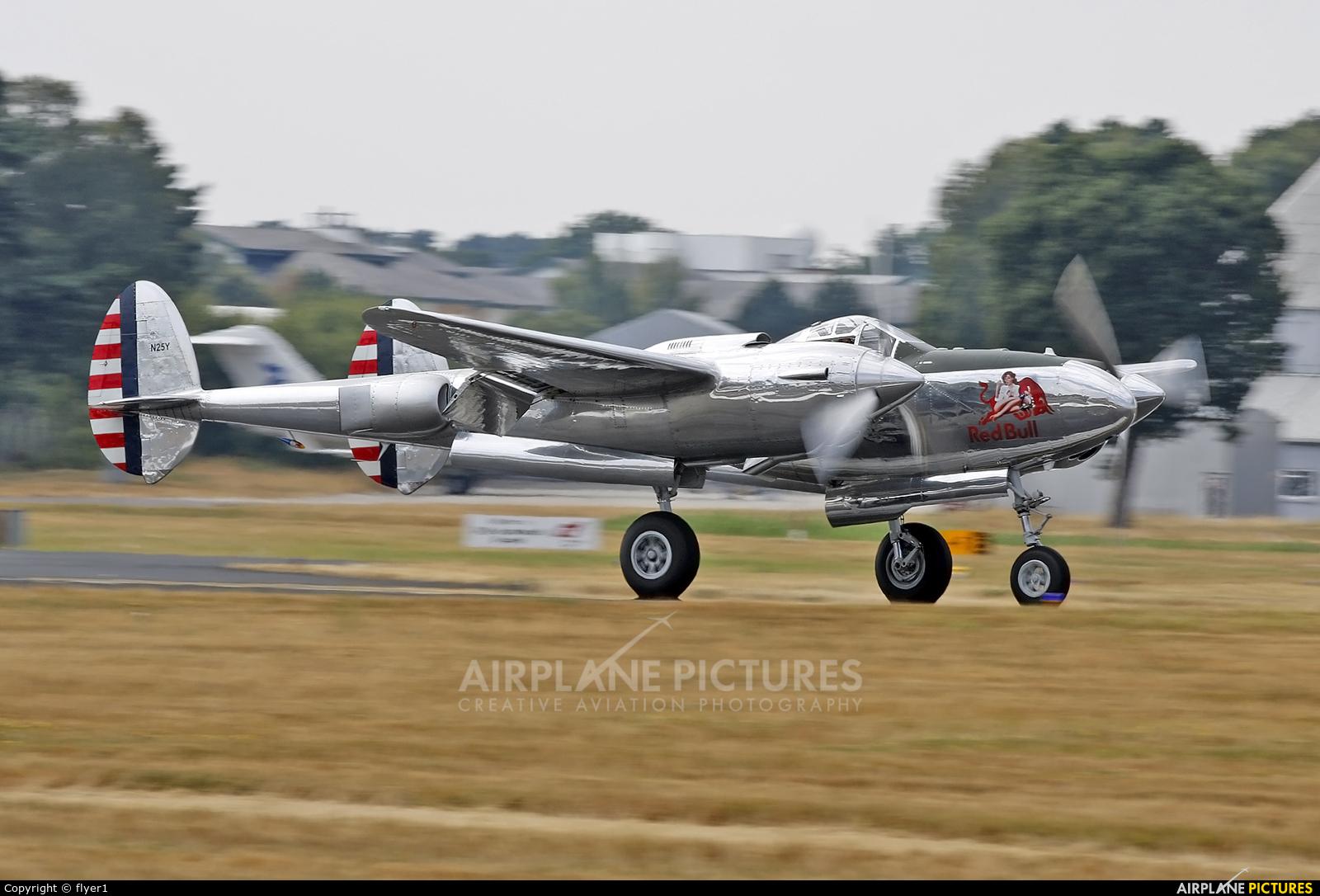 The Flying Bulls N25Y aircraft at Farnborough