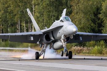 HN-455 - Finland - Air Force McDonnell Douglas F-18C Hornet
