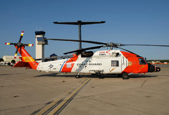 6001 - USA - Coast Guard Sikorsky HH-60J Jayhawk