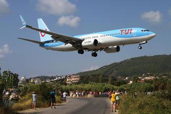 G-TAWX - TUI Airways Boeing 737-800
