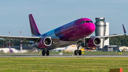 HA-LYP - Wizz Air Airbus A320