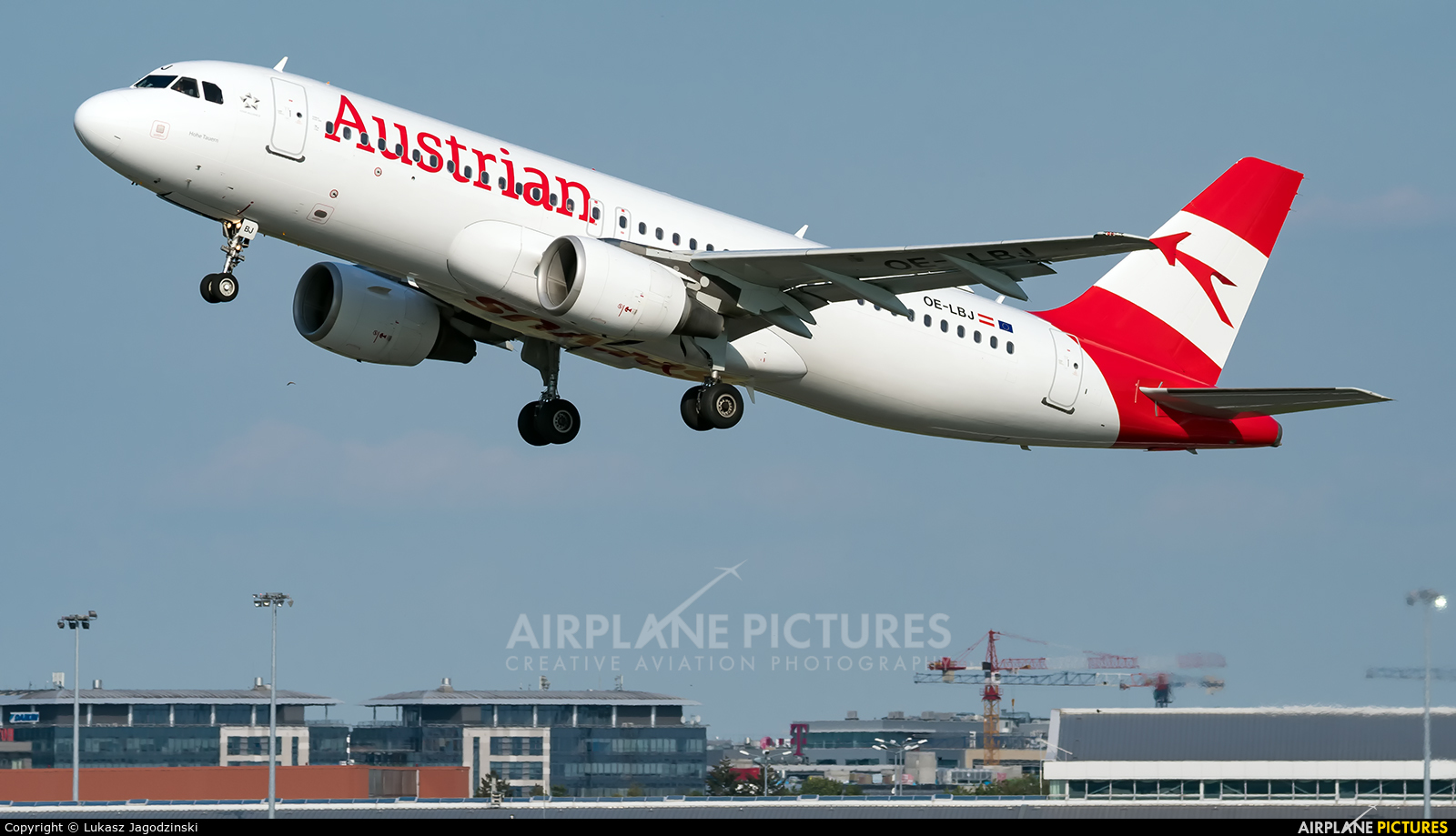 Austrian Airlines/Arrows/Tyrolean OE-LBJ aircraft at Warsaw - Frederic Chopin
