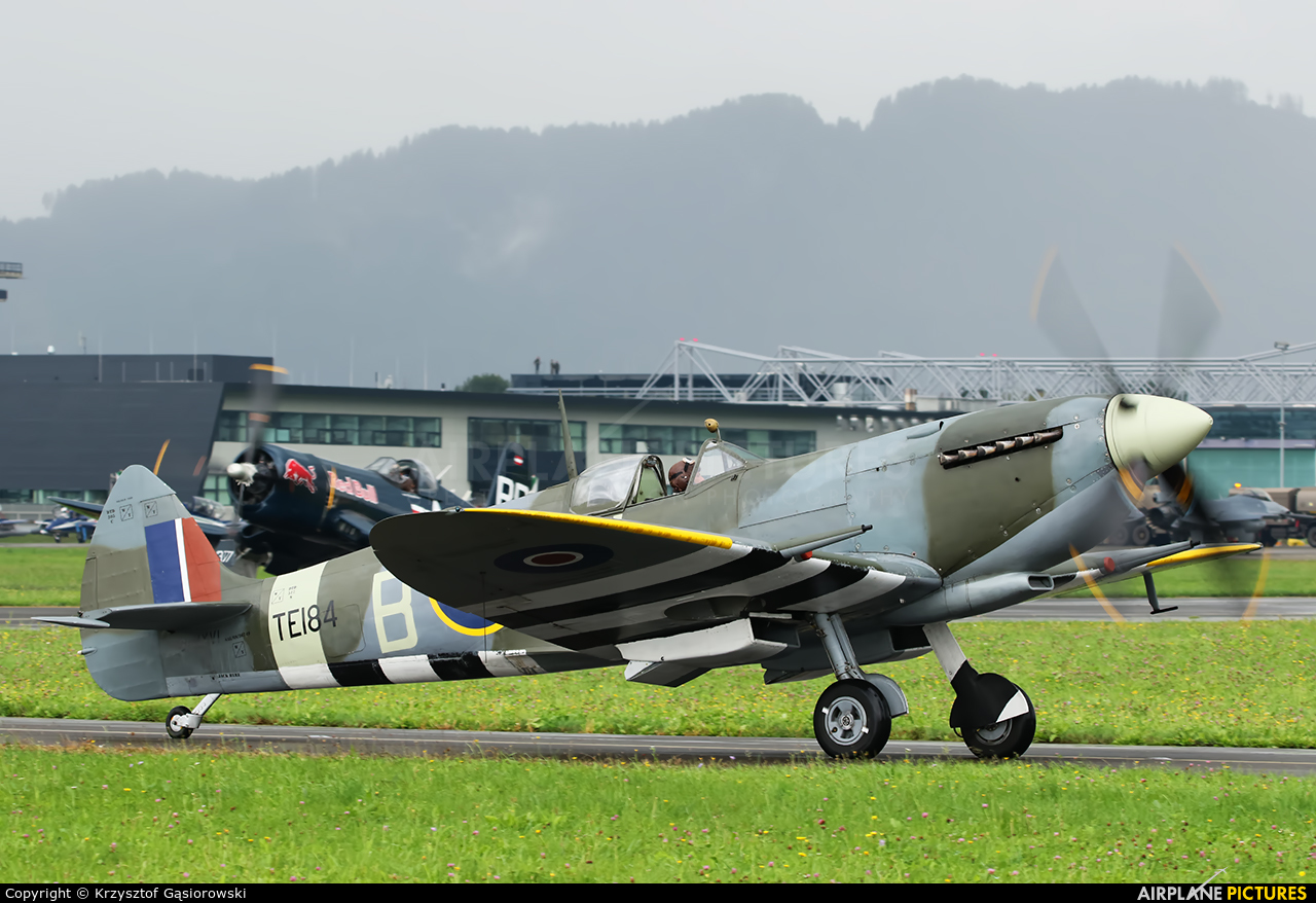 Private TE184 aircraft at Zeltweg