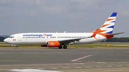 C-FLSW - SmartWings Boeing 737-800