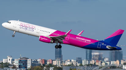 HA-LTC - Wizz Air Airbus A321