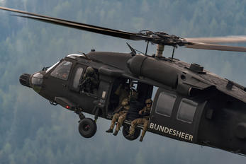 6M-BB - Austria - Air Force Sikorsky S-70A Black Hawk