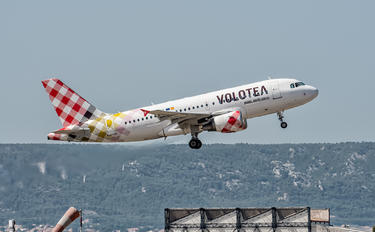 EI-FMV - Volotea Airlines Airbus A319