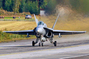 HN-451 - Finland - Air Force McDonnell Douglas F-18C Hornet