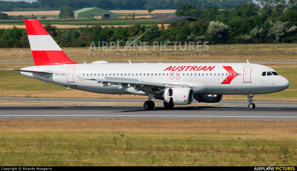 Austrian Airlines/Arrows/Tyrolean OE-LBO aircraft at Vienna - Schwechat