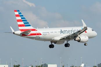 N93003 - American Airlines Airbus A319