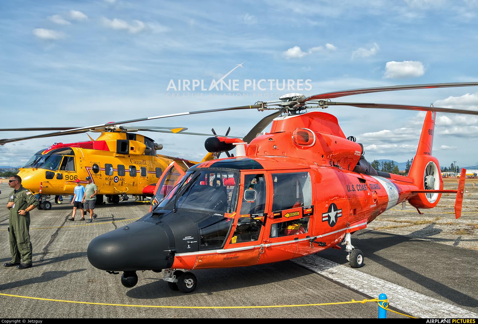 USA - Coast Guard 6521 aircraft at Abbotsford, BC