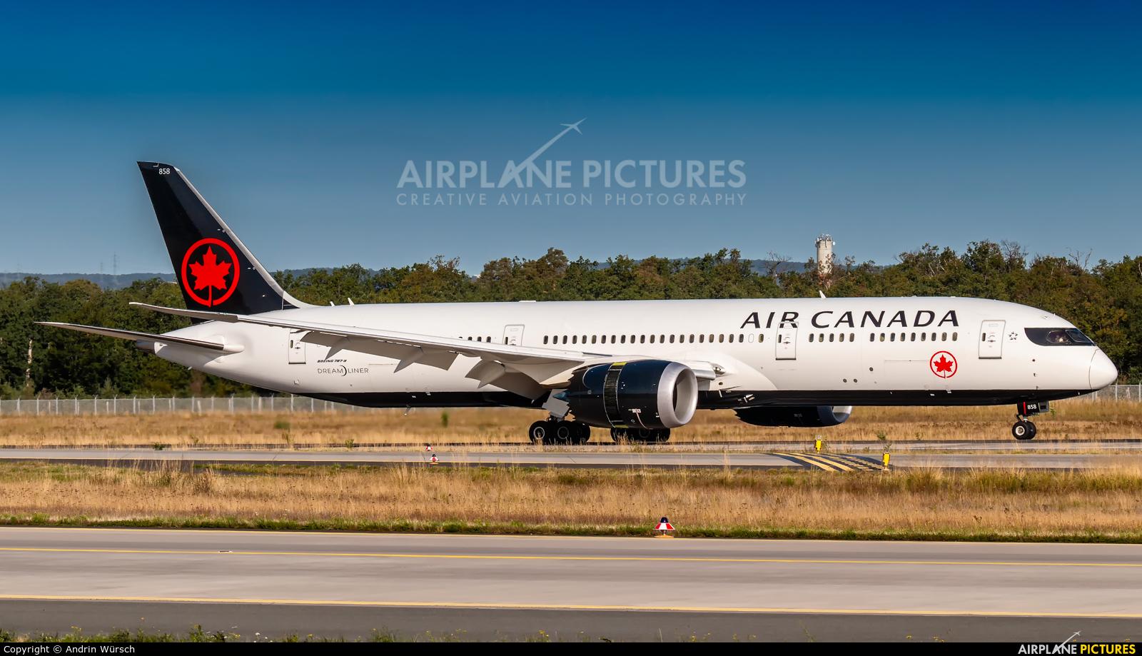 Air Canada C-FVND aircraft at Frankfurt