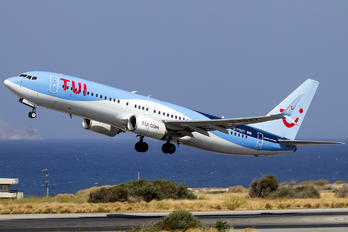 G-FDZY - TUI Airways Boeing 737-800