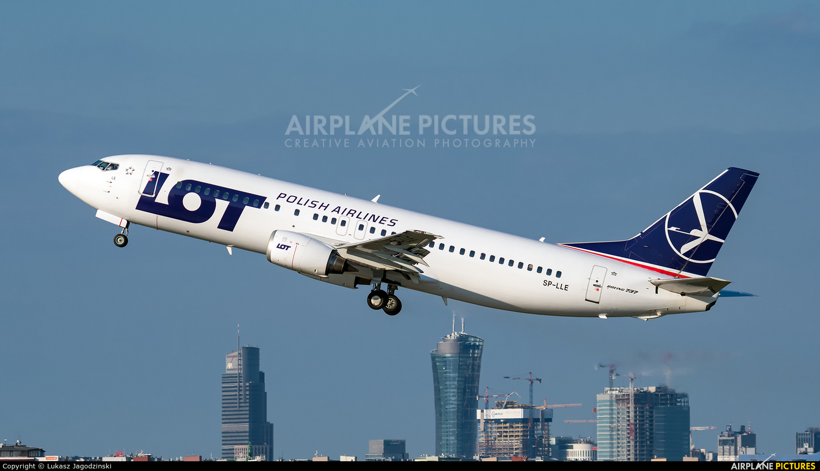 LOT - Polish Airlines SP-LLE aircraft at Warsaw - Frederic Chopin
