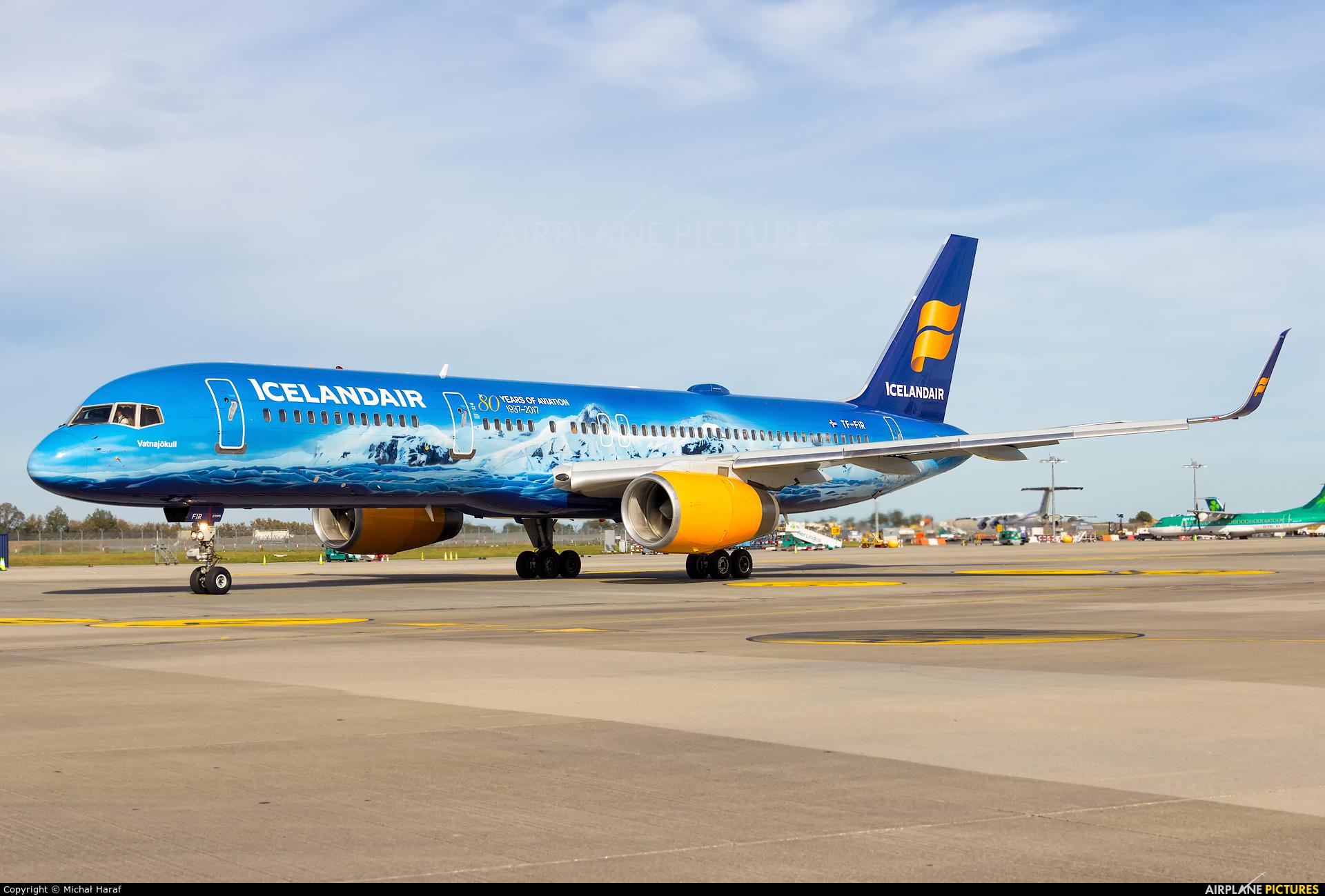 Icelandair TF-FIR aircraft at Dublin
