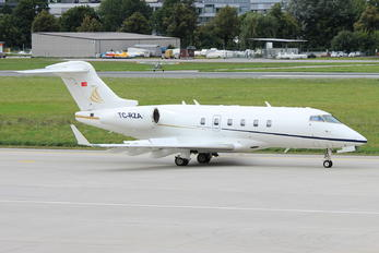 TC-RZA - MNG Jet Bombardier BD-100 Challenger 300 series