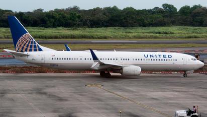 N69804 - United Airlines Boeing 737-900ER