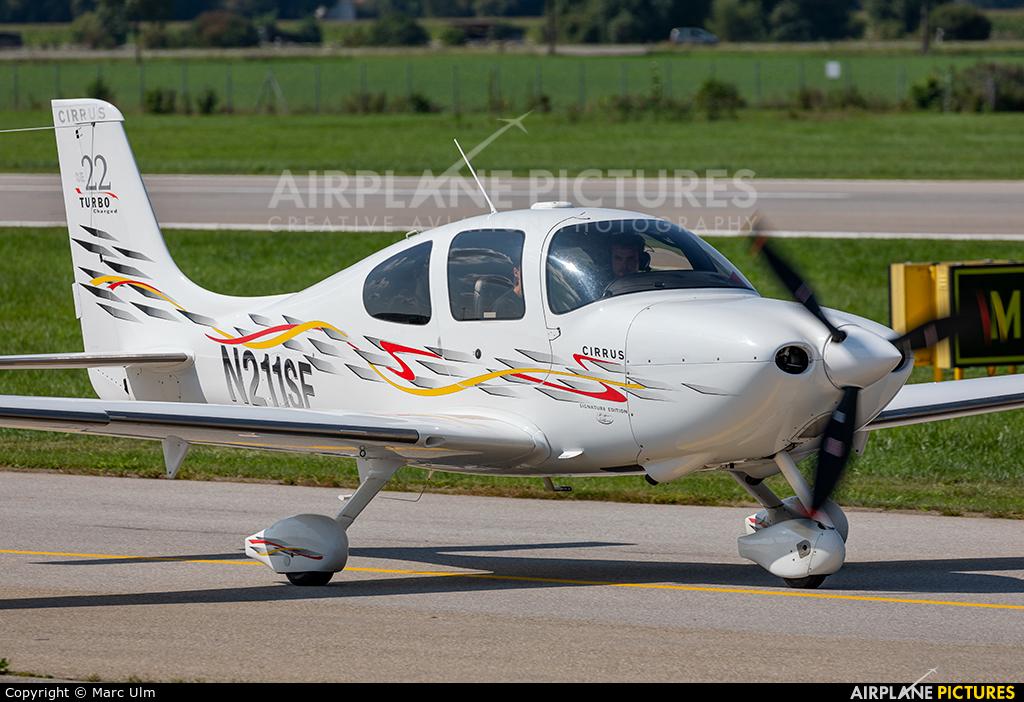 Private N211SE aircraft at Augsburg