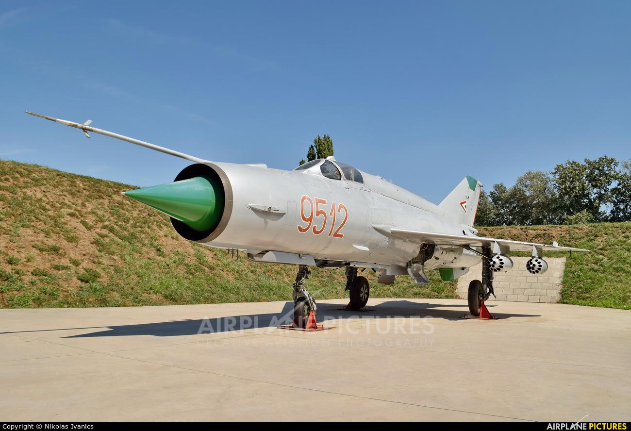 Hungary - Air Force 9512 aircraft at Off Airport - Hungary