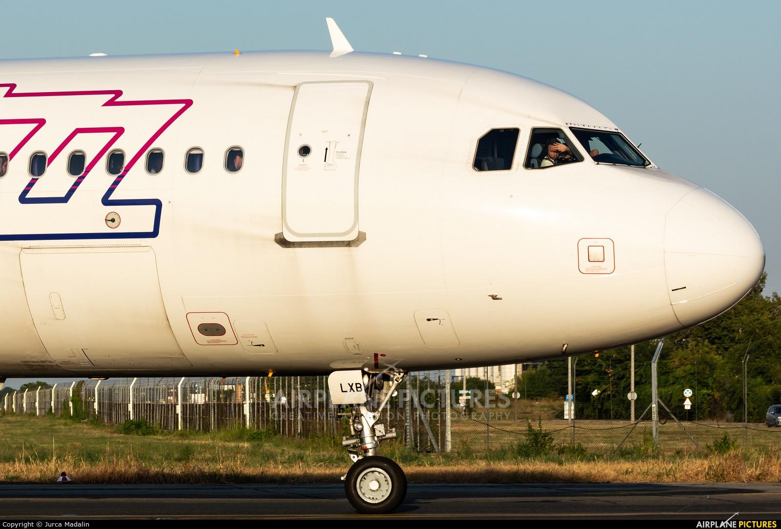 Wizz Air HA-LXB aircraft at Bucharest - Henri Coandă