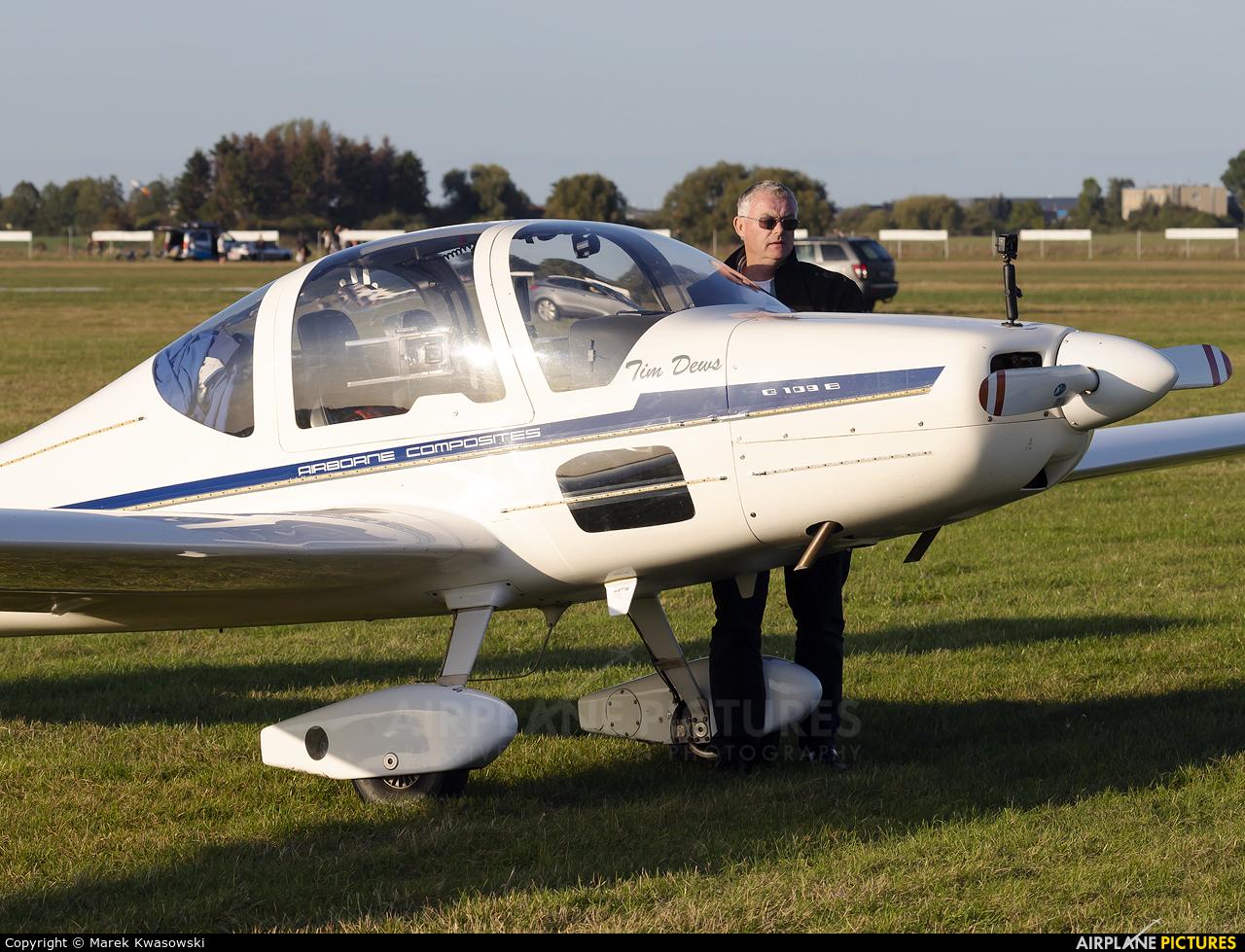 Private G-OFIX aircraft at Leszno - Strzyżewice
