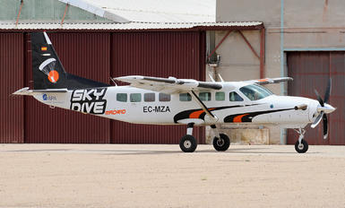 EC-MZA - Skydive Spain Cessna 208B Grand Caravan