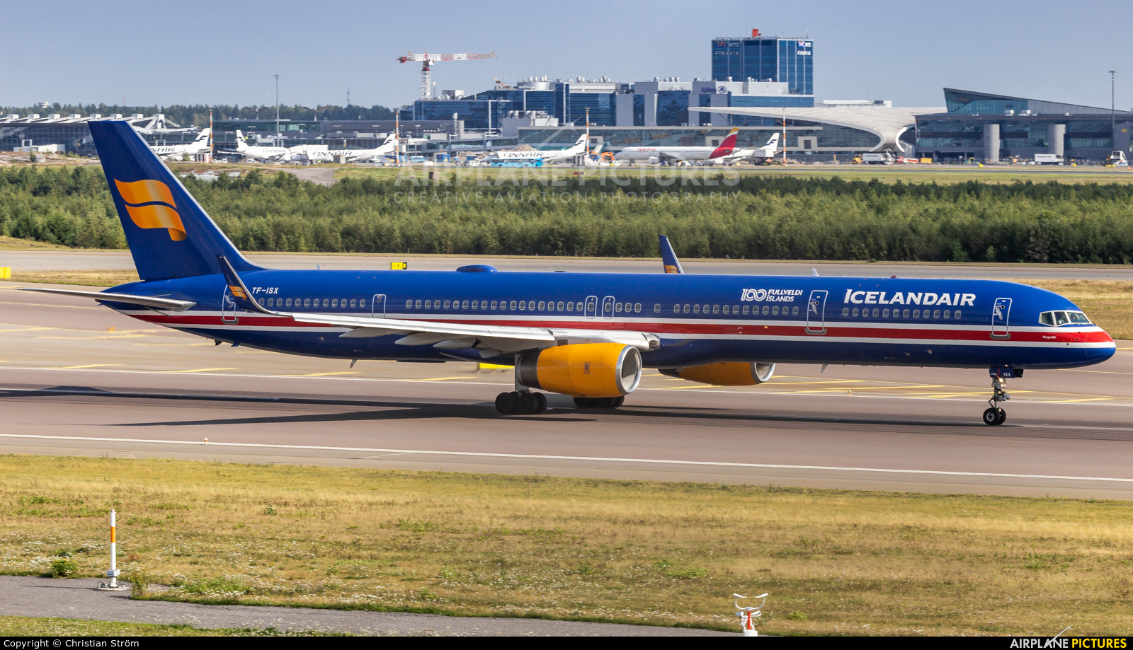Icelandair TF-ISX aircraft at Helsinki - Vantaa